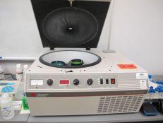 Tabletop centrifuge
